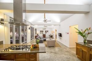 Salaya Beach Houses - Penthouse Deluxe - Livingroom